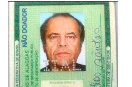Спипаха Джак Никълсън и Брад Пит с крадени коли
