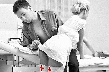 Болница набира акушерки за секс
