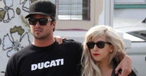 Лейди Гага иска бебе и сватба!