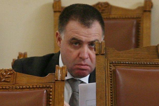 Мирослав Найденов прикрива шашми на фирма, монополизирала добива на дървесина у нас