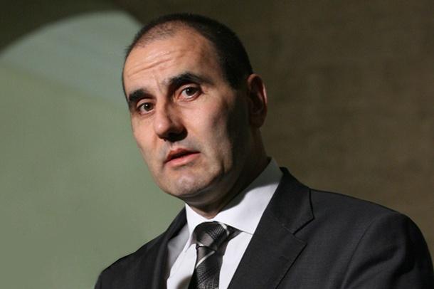 Цв. Цветанов награждава полицаи – биячи с ръководни постове в МВР