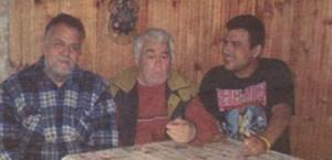 Три поколения Калоянчеви - Георги, Ивайло и внукът Гого