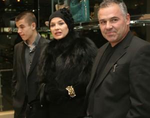 Синът на Аня и Ивайло Ангел е шампион по супермото и гордостта на семейството