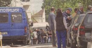 2007 г. Полиция отцепва района около дома на Йорданка Запрянова, майка на Косьо Дишлиев. Жената е ликвидирана в апартамента си часове преди да отиде в съда, за да разкрие истината за това кой разстреля сина й