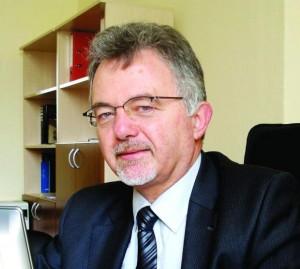 Проф. Евгений Николов