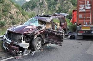 Автомобилът на Николов след катастрофата