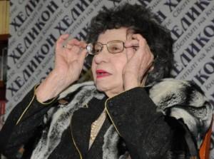 Стоянка Мутафова не е единствената 91-годишна ветеранка на сцената