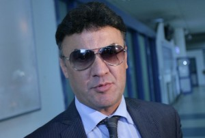 Боби Михайлов не иска да ляга под ножа, за да не изпусне трети мандат като шеф в БФС