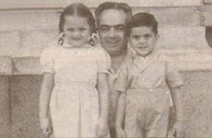 Богдана Карадочева с баща си Иван и брат си Бойчо