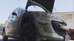 Престъпниците залели с бензин предницата на пежото