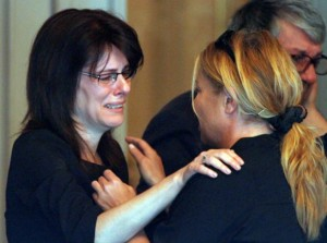 Хилда и Даниела - жената на Чочо, на погребението му
