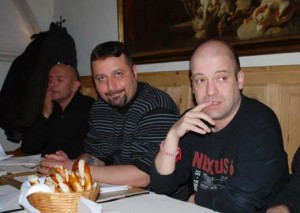 """филип Станев (в средата) и Иво Сиромахов (вдясно) почват в """"Шоуто на Слави"""" преди 13 години"""