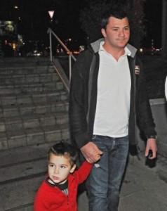 Тачо със сина си