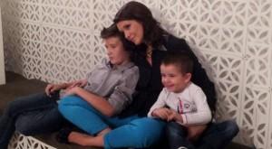 Кали с децата си