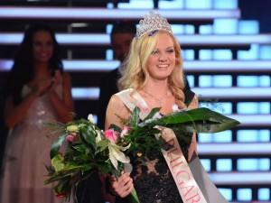 Синеоката красавица от пазарджишкото село Юнаците спечели симпатиите на зрителите и заслужено се окичи с короната на Мис България