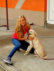 Една от каузите, за които се бори Нанси, е свързана с бездомните кучета