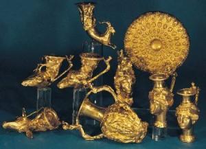 """Панагюрското злато в Националния исторически музей привлече Лили, но капризът й да го разгледа на спокойствие възмути лелките в """"Бояна"""""""