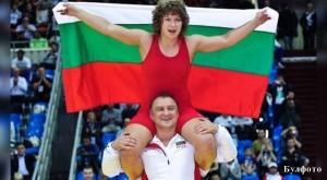 Треньорът на Станка Златева Симеон Щерев дава всичко от себе си, за да победи неговата възпитаничка
