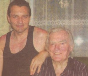 """Деян Неделчев на гости на Тончо Русев през 2013 г. и в годините (на малката снимка), когато записва """"Обич за обич"""""""