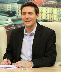 Виктор Николаев днес като водещ в телевизията