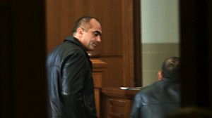 Зад решетките Баташки лично се разправял с осъдените за дрога