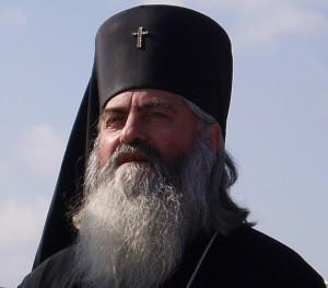 Според мълвата двамата килъри с водолазно оборудване приклещили варненския митрополит към дъното, като го държали за брадата