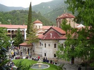 Един от най-красивите манастири у нас е под игото на развратния епископ Борис
