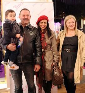 Димитър Цонев с дъщеря си Деси и внука Янчо и съпругата си