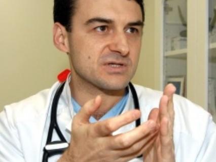 """Доц. Иво Петков от """"СИТИ Клиник"""": Сменихме безкръвно сърдечни клапи! ИНТЕРВЮ"""
