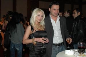 Със съпруга си Алекс Ломски, с когото са заедно от 15 години