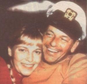 Миа и Синатра имаха едва 2-годишен брак, но и след него продължаваха да се срещат.