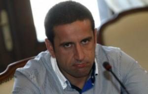 """Георги Харизанов носи часовник """"Корум"""" за 50 000 лева. Бившият началник на """"Напоителни системи"""" продаде хиляди тонове тръби за скрап и сложи милиони в джоба си"""