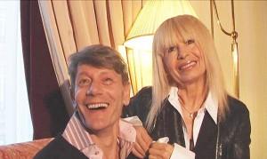 Лили в компанията на Стефан Зашев, който се представя за неин любовник