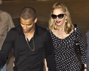 Мадона иска да последва приятеля си Брахим в религията