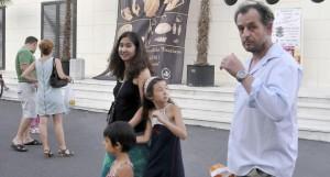 Михаил Билалов със съпругата си Санае и децата им
