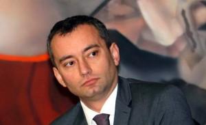 Николай Младенов останал без скъпата си играчка