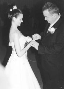 Четвъртата сватба на шефа на писателите. Но той се стягал и за пети брак...