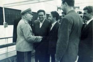УНИКАЛНА СНИМКА! Станко Тодоров (с очилата) със Сталин