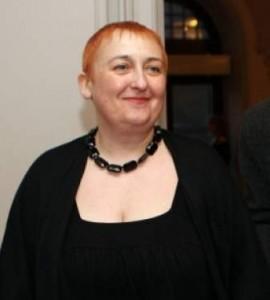 Косата на Нина Димитрова ще стои къса докато не реши щерка й