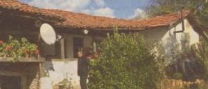 След земетресенията голяма част от покривите на къщите в Генерал Тошево са рухнали
