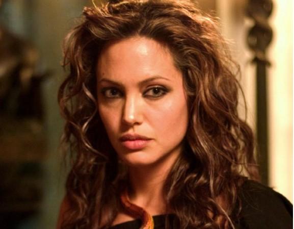 Анджелина Джоли отново е в болница