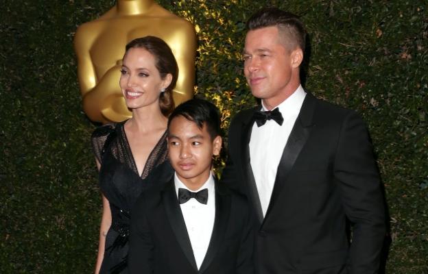 Анджи, Брад и синът им Мадокс сияеха на червения килим