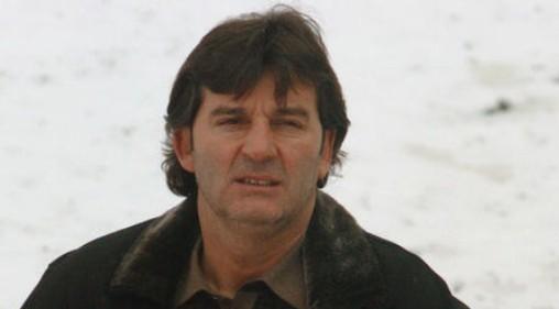 Закъсалият за пари Костадинов пести от тютюн