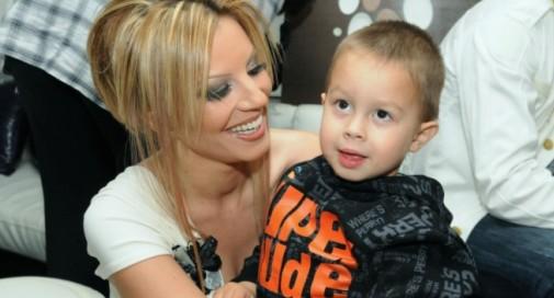Емилия със сина си Иван