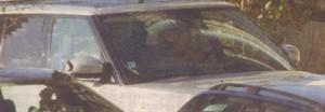"""За да спести 2 лв. за паркиране в """"Синя зона"""", Веско остави мощния си автомобил на паркинг на ГЕРБ край НДК."""