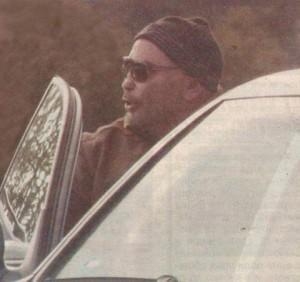 Фотографиран в профил, първото нещо, което се забелязва от лицето на Росен Петров е топката на върха на носа му. Почти сантиметър тя стърчи по-напред от хрущяла на обонятелния орган, който с всеки изминал ден хлътва навътре в черепа на водещия.