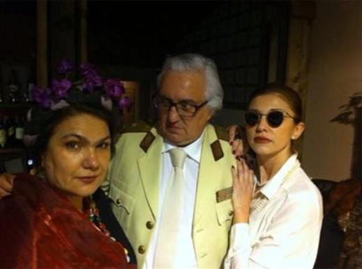 Марта Вачкова посрещна 2014 годна маскирана