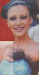 Моника Валериева като абитуриентка