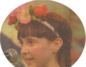 """Малката Никаела изпя прекрасно народната песен """"Брала мома Ружа цвете"""""""