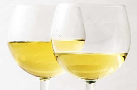 Бяло вино: Полезно ли е за здравето?